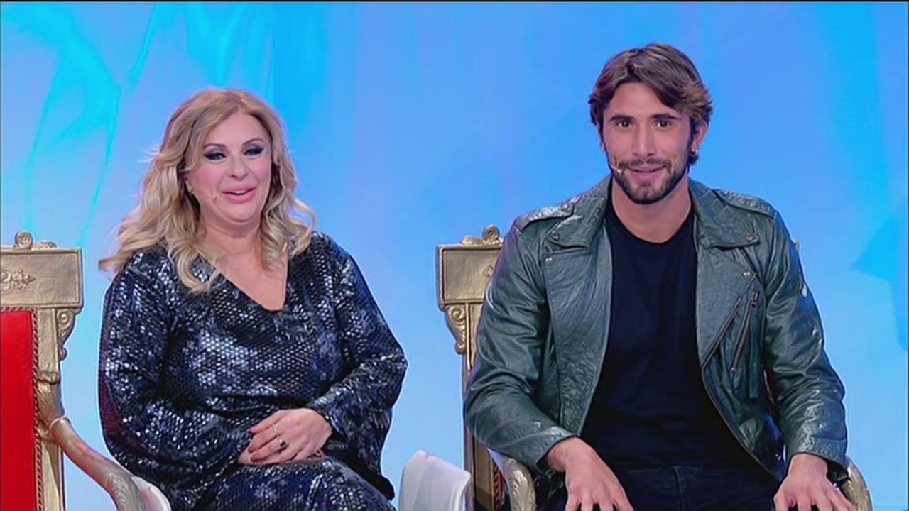 Uomini e Donne oggi 14 novembre 2019: puntata intera trono classico | Video Witty Tv