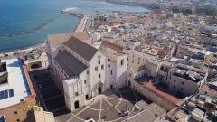 La Basilica di San Nicola a Bari thumbnail