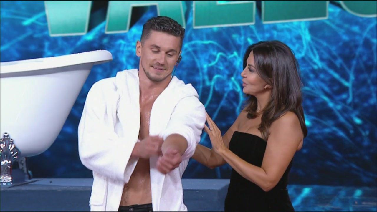 Sabrina Ferilli A Tu Si Que Vales 2019 Acrobata Al Palo Oleg Video Witty Tv